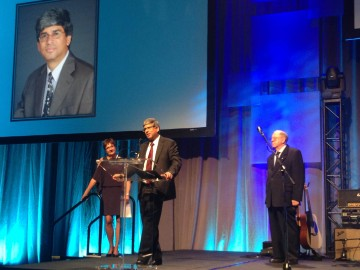 Dr. Lakshmi Yatham recieves  the John Cleghorn Award for Research Excellence and Leadership