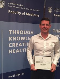 Congratulations to Dr. T. Woodward on receiving the  Faculty of Medicine Distinguished Achievement Award  for  Excellence in Clinical or Applied Research